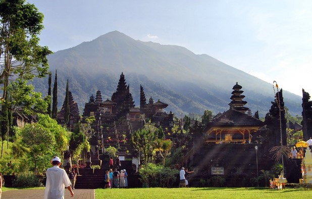 Tips dan Jalur Pendakian Gunung Agung Bali