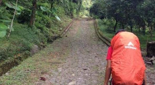 Misteri Gunung Arjuno Via Tretes Yang Biking Kencing Berdiri