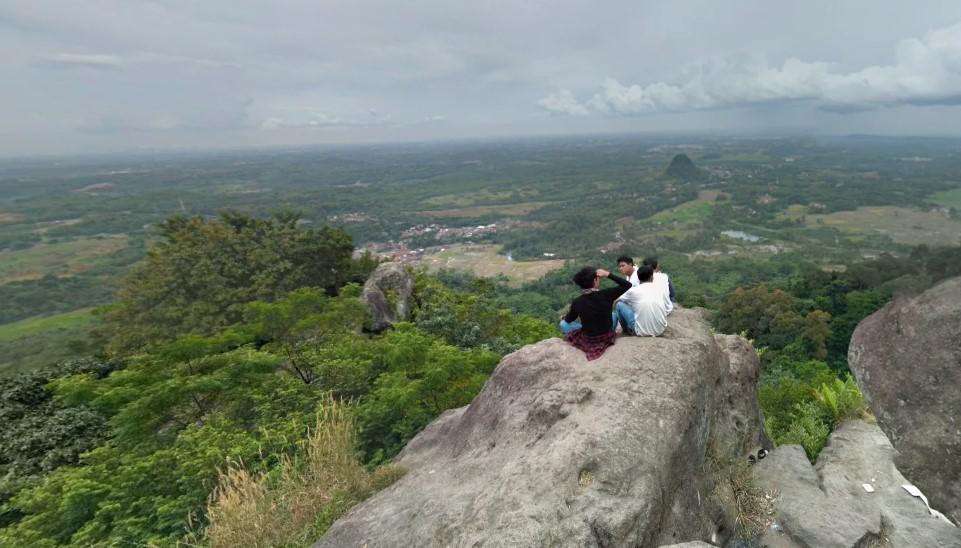 Estimasi Biaya Mendaki Gunung Munara Bogor