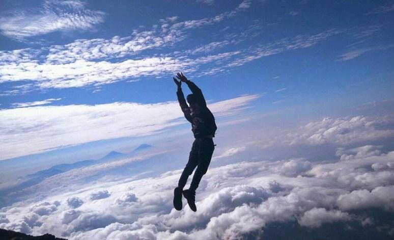 Sensasi Unik Saat Mendaki Gunung