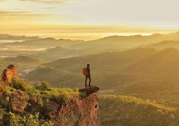 Gunung Besek, Wisata Alam Yang Hist di Wonogiri - Gunung