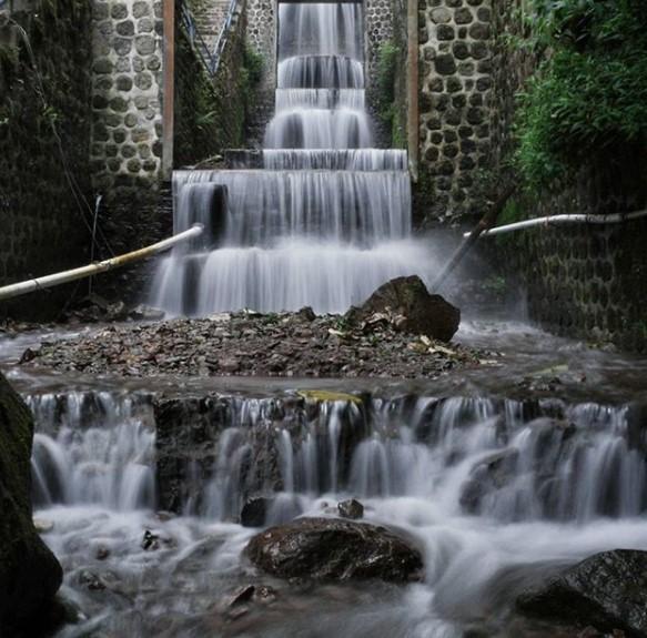 55+ Gambar Air Terjun Telaga Sarangan Paling Hist
