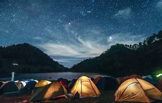 Ranu Kumbolo Danau Eksotis Gunung Semeru Gunung