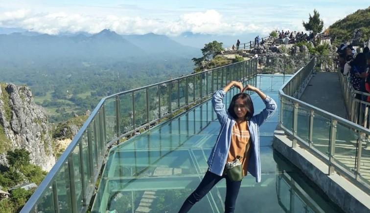 Wisata Religi Patung Yesus Dan Jembatan Kaca Buntu Burake Tana Toraja Gunung