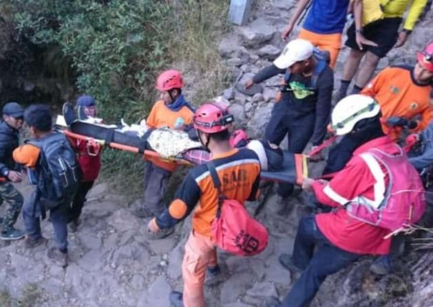 Pendaki Asal Surabaya Terjatuh Di Puncak Gunung Lawu Gunung