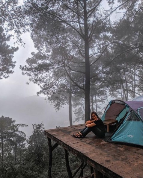 perlengkapan camping sederhana